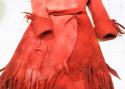 Feuermantel, Wolle pur und  100 separat gedrehte Dreadlocks, handgefärbt