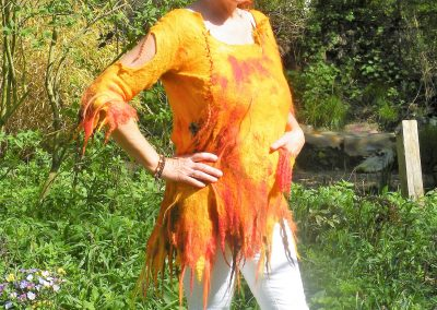 Feuer-Tunika, ein feuriges Ritulgewand