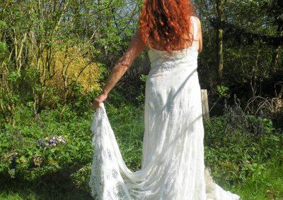 Hochzeitskleid mit Omas Spitzenschleppe