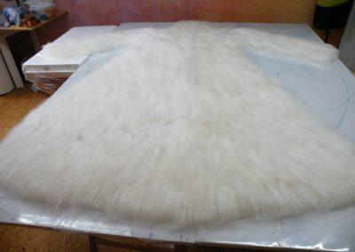 3. Schritt: Auslegen der 2. Lage Wolle, längs