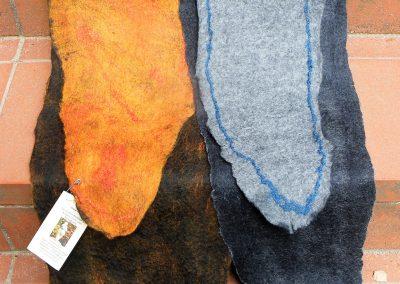lange zarte Schals mit etwa 55% Seidenanteil, beide Seiten haben eine unterschiedliche schöen Gestaltung