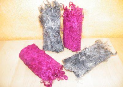 Armstulpen - Innenschicht Alpaka; graue Gotlandlocken und gefärbte Wensleydalelocken