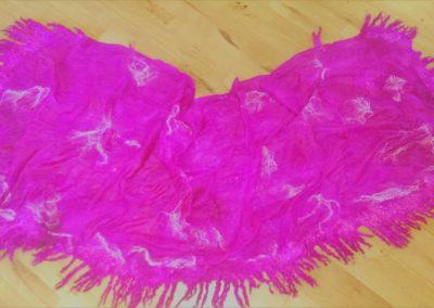 purpurfarbiges großes Umschlagtuch, ca. 190x75cm, Chiffonseide, Merino-Tussahgemisch, Wensleydalelocken,... handgefärbt.