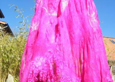 Gefilztes Riesen-Umschlagtuch mit Wensleydalelocken in magenta gefärbt