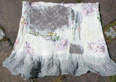 graugetönter kurzer Nunorock, gut über Hosen zu tragen, Große 38-44, 119 €